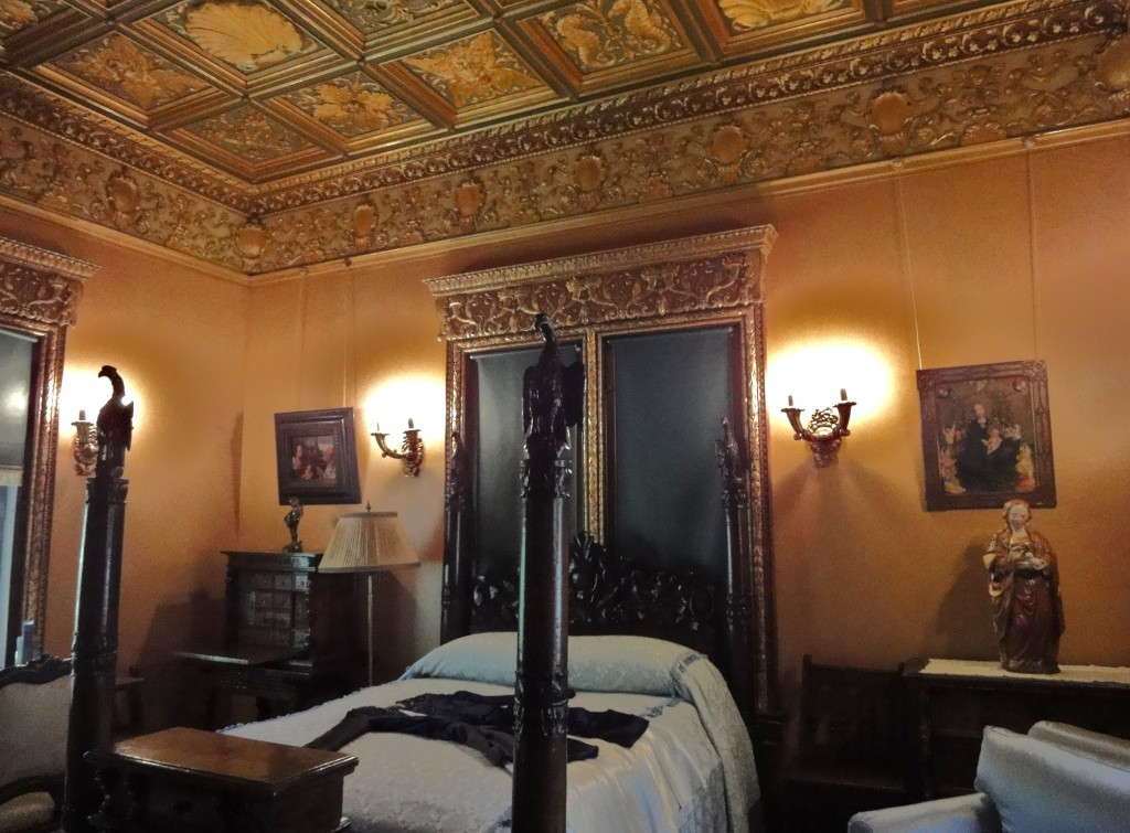 Bedroom from Hearst Castle