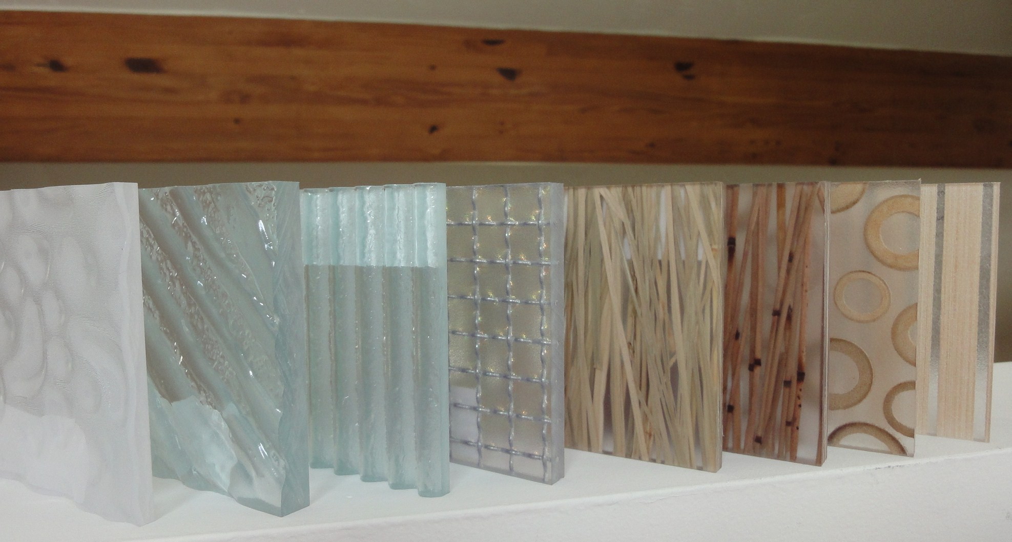 Decorative Translucent Panels : Must have translucent panels for the home interior decor