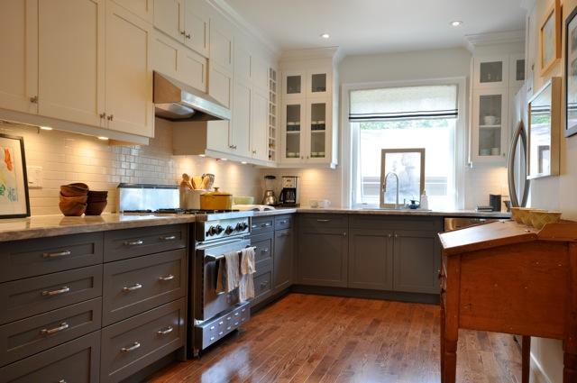 Mixing Kitchen Cabinet Colors - Nagpurentrepreneurs