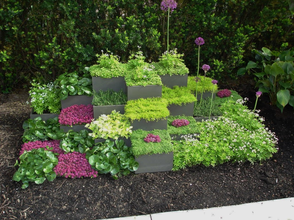 Get your garden ideas early for Flower garden decorations