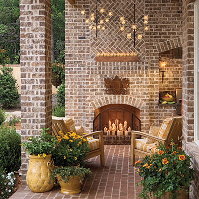 Outdoor Fireplaces Make Entertaining Cozy