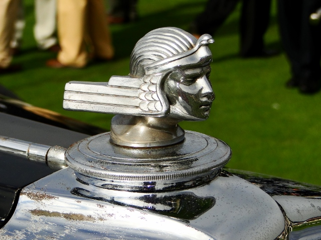 1932 Stutz LeBaron Sedan hood ornament