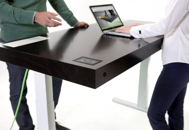 Stir stand up desk