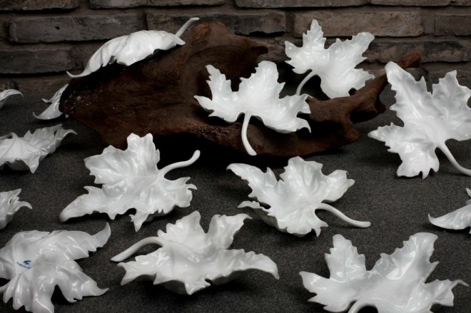 Wu-tong Leaf Plates from Spin Ceramics