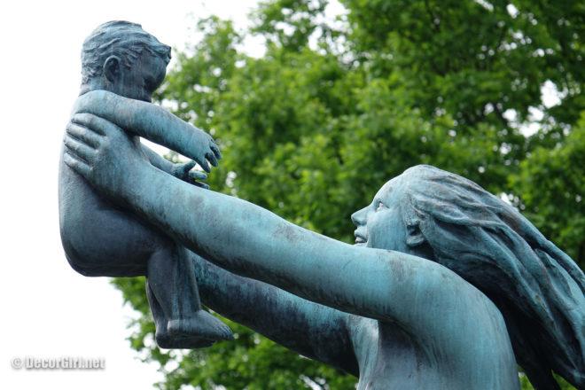 Mother and child Vigeland Park
