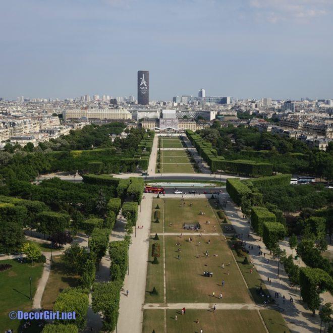 view from 58 Eiffel Restaurant