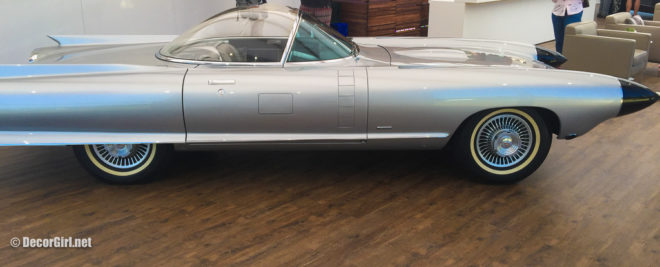 side view of Cadillac Cyclone XP-74 Concept