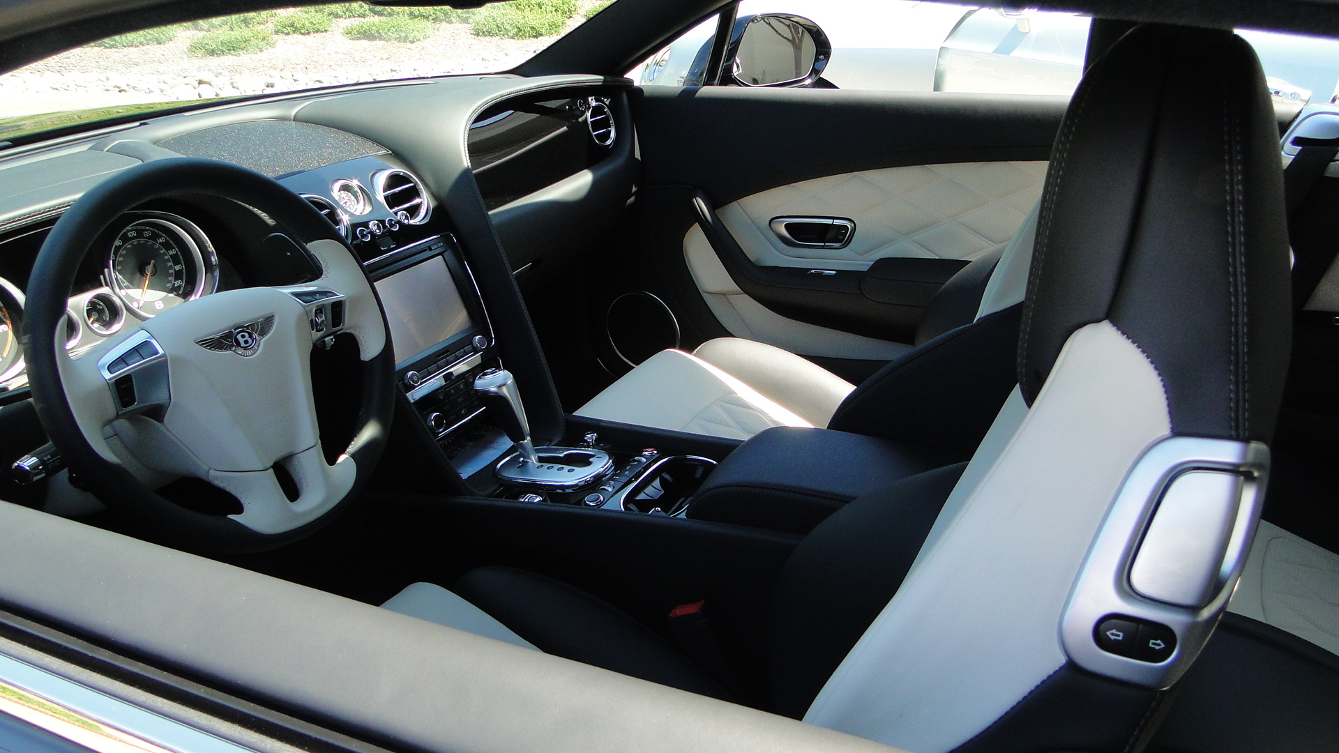 a test drive in the new bentley continental gt v8. Black Bedroom Furniture Sets. Home Design Ideas