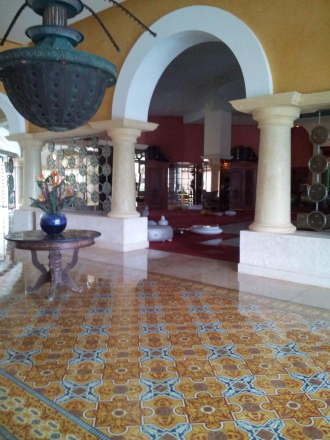 cuban-cement-tile-makes-grand-entrance