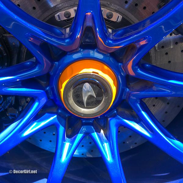 Blue Wheels on a McLaren Senna