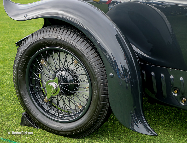 Distinctive fender detail on Bentley Gurney Nutting Drophead Coupe